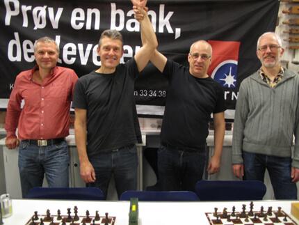 Foto: Jan Petersen. Tv. Ib H. Andersen, mfv. Mikael Ramkilde, mfh. Svend Steenstrup og th. Lars Linderod
